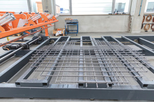 "<div class=""bildtext_en"">Production of reinforcement mesh for precast concrete elements …</div>"