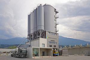 "<div class=""bildtext_en"">Fröschl Beton's Liebherr Betomat 4-600 mixing tower is one of the most modern mixing plants in Austria</div>"