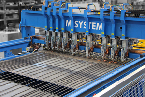 """<div class=""""bildtext_en"""">The M-System: Precise welding and made-to measure mesh production</div>"""