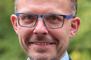 """<div class=""""bildtext""""><strong>Dipl.-Ing. Mathias Tillmann; </strong>Fachvereinigung Deutscher Betonfertigteilbau e.V. (FDB), Bonn <span class=""""ulm_email"""">tillmann@<br />fdb-fertigteilbau.de</span></div>"""