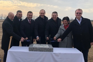 """<div class=""""bildtext_en"""">An ultra-modern production facility will be built in the Czech town of Znojmo on a site covering about 100,000 m²</div>"""