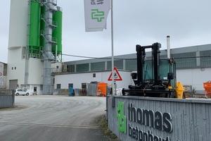 """<div class=""""bildtext"""">Seit September 2017 gehört das Betonbauteilewerk in Georgensgmünd zur mittelständischen Thomas Gruppe</div>"""