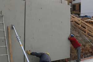 "<div class=""bildtext_en"">Installation of double wall elements and SynkoElast crack control profiles</div>"