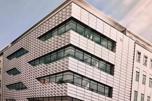 """<div class=""""bildtext"""">Symbiose von Beton und Solarpanel: Energieerzeugung an der Fassade</div>"""