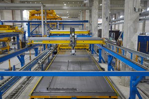 """<div class=""""bildtext_en"""">Der kombinierte Schal- und Entschalroboter von Progress Maschinen &amp; Automation arbeitet mit dem Schalungssystem Infinity Line</div>"""