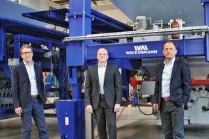 "<div class=""bildtext_en""><irspacing style=""letter-spacing: -0.015em;"">The management team: Hermann Weckenmann, Martin Schatz and Wolfgang Weckenmann (left to right)</irspacing></div>"