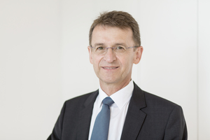 "<div class=""bildtext_en"">Axel Schneider, Managing Director C&amp;G Pigment Europe</div>"