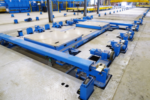"""<div class=""""bildtext_en"""">The combined compaction equipment moves the pallet vertically and horizontally, giving the customer maximum flexibility in the final product</div>"""