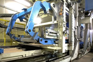 "<div class=""bildtext_en"">The Hess RH 1500-3 MVA concrete block machine in operation at the company Kortmann</div>"