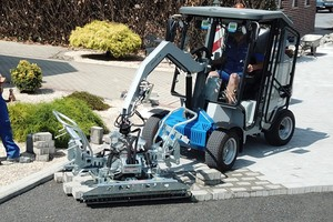 """<div class=""""bildtext_en"""">The all-electric laying machine VM-301-Greenline from Probst in use – Sustainability and zero emissions are also a major issue in the North American construction industry</div>"""