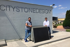 "<div class=""bildtext_en"">City Stone Production Director Peter Perina (left) und MyWood Sales Director Tobias Schmidt (right) in time of presentation</div>"