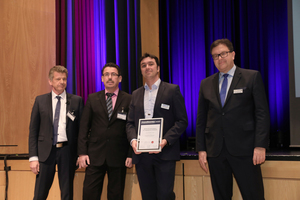 "<div class=""bildtext_en""><irspacing style=""letter-spacing: -0.015em;"">The happy winner of the second prize was Vollert – in the picture Björn Brandt (Vice President Vollert Anlagenbau, second from the right). Left in the picture Prof. Dr.-Ing. Harald Garrecht, right Dr. Ulrich Lotz (FBF Betondienst).</irspacing></div>"