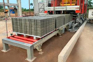 "<div class=""bildtext"">Elkoblock-36M: Betonblock-Herstellung in Sierra Leone</div>"