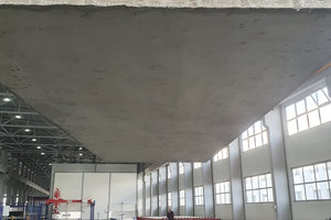 """<div class=""""bildtext_en"""">The first Motus hollow-core slabs are loaded for transport to the construction sites in Tashkent</div>"""