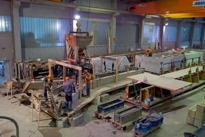 """<div class=""""bildtext"""">Die Herstellung der Stützen erfolgt in den Fertigteilwerken der Schick Group</div>"""