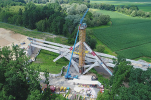 """<div class=""""bildtext_en"""">The last of four lifting steps of the bridge over the Lafnitz</div>"""