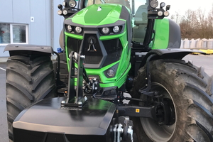 """<div class=""""bildtext_en"""">In the concrete-counterweights for tractor segment, the company is world market leader</div>"""