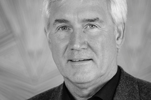 """<div class=""""bildtext""""><strong>Martin Möllmann</strong><br />Seit 1991 für Dyckerhoff in verschiedenen Positionen tätig. Heute als Direktor verantwortlich für die Bereiche Produktmarketing und Vertrieb von Spezialzementen im Geschäftsbereich Deutschland/ Westeuropa. Der diplomierte Bau- und Wirtschaftsingenieur engagiert sich zudem ehrenamtlich für die Berufsausbildung in der Betonwerksteinbranche und ist Vorstandsmitglied der Info-b e.V.</div>"""