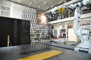 "<div class=""bildtext_en"">Mesh mold prefabrication, steel reinforcement assembling process at the Robotic Fabrication Laboratory, ETH Zurich, 2020</div>"