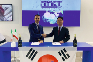 """<div class=""""bildtext_en"""">Contract Signature: MCT Italy S.r.l., South Korea Sales Director Mr. Falchetti Gabriele and DecoPave Co. Ltd, CEO Mr. Park Moon-Seok (from left to right)</div>"""