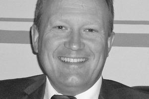 """<div class=""""bildtext""""><strong>Uwe Kestel</strong> (1959): Gelernter Bergmann im Steinkohlenbergbau. Seit 1999 Mitglied der Geschäftsleitung der DUHA-Fertigteilbau GmbH, Haselünne. Sein Tätigkeitsschwerpunkt liegt im Vertrieb, in der Forschung &amp; Entwicklung sowie in der allgemeinen Technischen Leitung.</div>"""