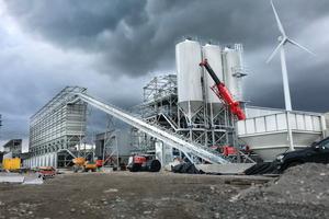 """<div class=""""bildtext"""">Die neue hochmoderne Betonmischanlage von Rapid International ermöglicht die Produktion von einer Million m² Betonpflastersteinen pro Jahr bei Tobermore</div>"""