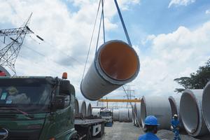 """<div class=""""bildtext"""">Diese Stahlbetondruckrohre (RCCP) sind das Spitzenprodukt des Unternehmens </div>"""
