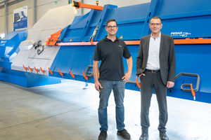 """<div class=""""bildtext"""">Christian Rings, Projektleiter Entwicklung bei Pedax (links) und Markus Leich, Sales Engineer bei SMC Deutschland</div>"""