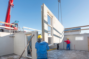 "<div class=""bildtext_en"">The prefabrication of basements is the ""foundation"" of the Schwörer prefabricated houses</div>"