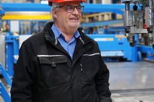 """<div class=""""bildtext_en"""">Karl-Heinz Schneider is the plant manager and authorized representative of Schwörer Bausysteme GmbH</div>"""