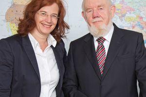 """<div class=""""bildtext_en"""">Dr. Maike Keller with her father Kurt Avermann</div>"""
