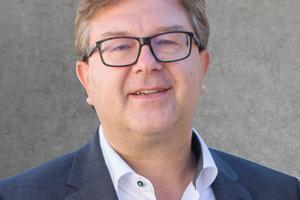 "<div class=""bildtext_en"">Dr. Ulrich Lotz, Managing Director of FBF Betondienst GmbH and Building Congress Forum</div>"