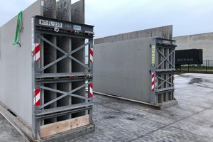 """<div class=""""bildtext_en"""">Double walls prepared for the transport to the construction site</div>"""