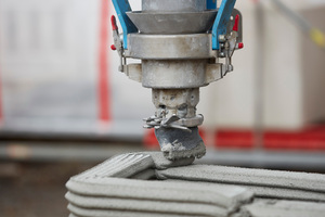 """<div class=""""bildtext_en"""">With the 3D concrete printing process, houses can be erected faster, more economically and more sustainably</div>"""