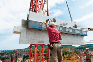 """<div class=""""bildtext_en""""><irspacing style=""""letter-spacing: -0.01em;"""">The elements weighing up to 7tons - produced in the Ebhausen precast plant - were aligned with pinpointed precision</irspacing></div>"""