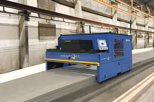 """<div class=""""bildtext_en"""">Production lines with a higher degree of automation no longer require an operator for each machine</div>"""