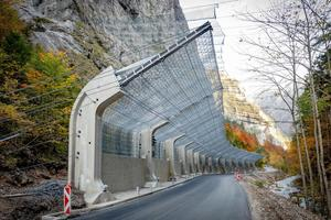 """<div class=""""bildtext_en"""">A spectacular protection measure was successfully implemented on a section of the Radmer Road exposed to the risk of falling rocks</div>"""