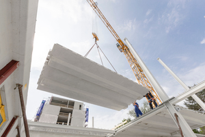 """<div class=""""bildtext_en""""><irspacing style=""""letter-spacing: -0.01em;"""">Goldbeck has been successively digitizing its processes for more than ten years. In the future, the company will use the BIM software Tekla Structures in precast concrete </irspacing></div>"""