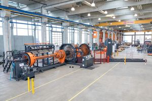 """<div class=""""bildtext_en"""">Fully automated cage welding machine type BSM </div>"""