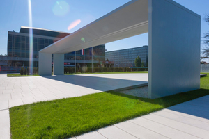 """<div class=""""bildtext_en"""">At this memorial park in Zagreb (Croatia) Rohoznik white cement proves its clear cool color</div>"""