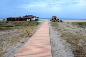 "<div class=""bildtext_en"">Fig. 12: New concrete walkway on Vera beach (Almeria)</div>"