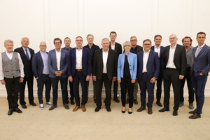"""<div class=""""bildtext_en""""><irspacing style=""""letter-spacing: -0.01em;"""">The newly elected Executive Board of the Syspro-Gruppe Betonbauteile e. V.</irspacing></div>"""