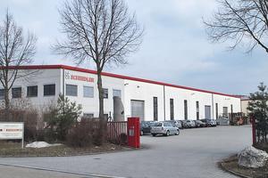 """<div class=""""bildtext"""">Firmengelände der SR-Schindler Maschinen-Anlagentechnik GmbH</div>"""