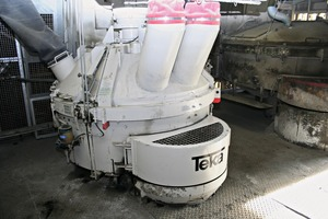"""<div class=""""bildtext_en"""">The Teka high-performance turbine mixer of type E-1-III is the new centerpiece for the production of face mix concrete at Birkenmeier</div>"""