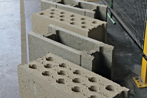 """<div class=""""bildtext_en"""">Hollow blocks for which hemp was used as an aggregate</div>"""