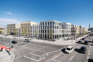 """<div class=""""bildtext_en"""">The NeuerMarkt development includes a finely differentiated complex of buildings. However, it also conveys a very homogeneous and coherent impression</div>"""