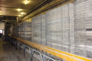 """<span class=""""bildunterschrift_hervorgehoben"""">Fig. 2 </span> The Peri Pave production pallets in the Gent-based factory have been used since 2006 and they are still in good conditions."""