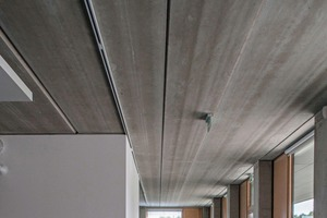 """<div class=""""bildtext_en"""">The two-story section is covered with 15.5 m long prestressed-concrete hollow-core slabs</div>"""