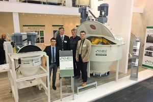 "<div class=""bildtext_en"">The management of Kniele with Harald, Erwin and Alexander Kniele (from right to left) presented the new laboratory mixer KKM-RT at this year's Bauma</div>"