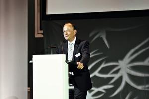 """<div class=""""bildtext"""">Geschäftsführer Hans-Jörg Vollert, Enkel des Firmengründers Hermann Vollert, hatte zum Firmenjubiläum eingeladen</div>"""